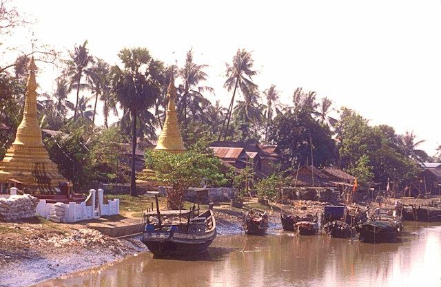 nyaungkhashe_waterfront