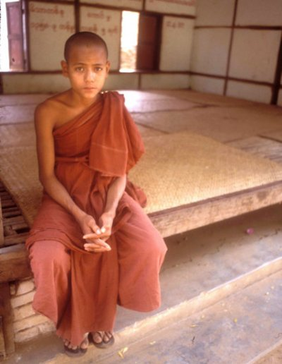 pagan_kyadkaw monastery_novice monk