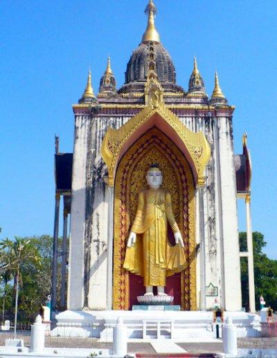pegu_four-figures pagoda