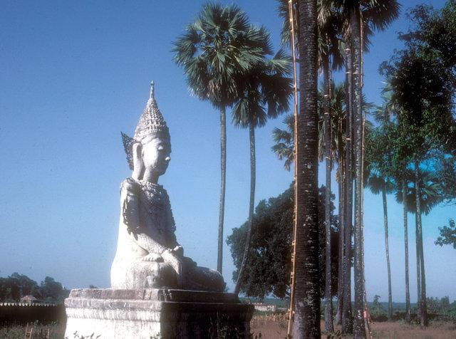 pegu_shwethalyaung pagoda_statue