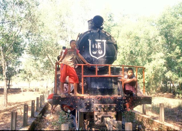 thanbyuzayat_death railway engine